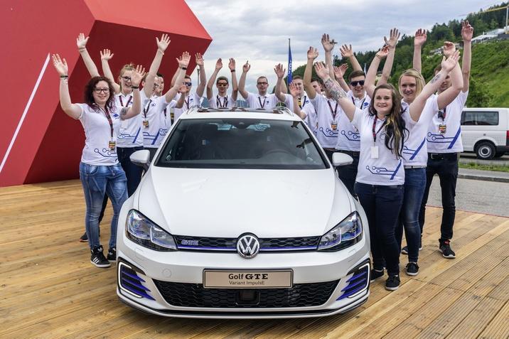 Hibrid autók a Volkswagen-találkozón
